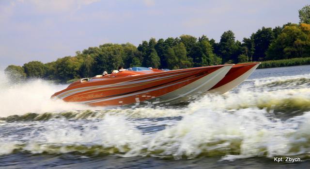 Wizyta szybkich morskich łodzi motorowych z Berlina